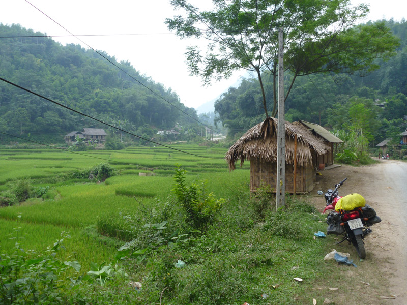 Small village nea Go Lao