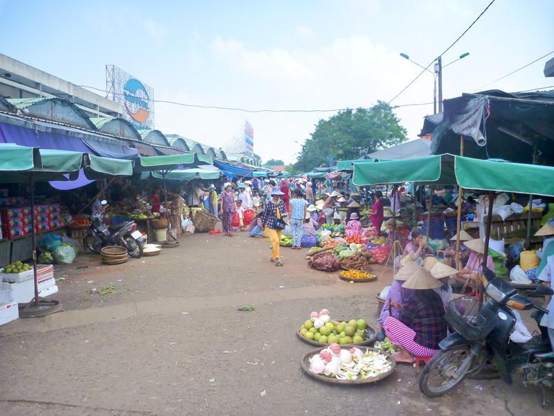 Dong Ba Market 2