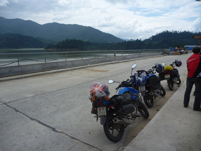 Stopped on the dam wall