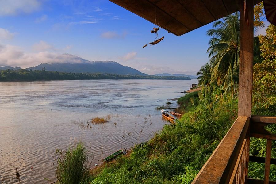 Breakfast by the Mekong