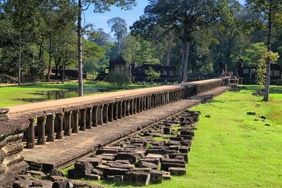 Phimeanakas walkway